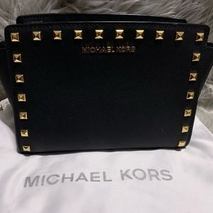 Michael Kors black Selma Stud messenger bag